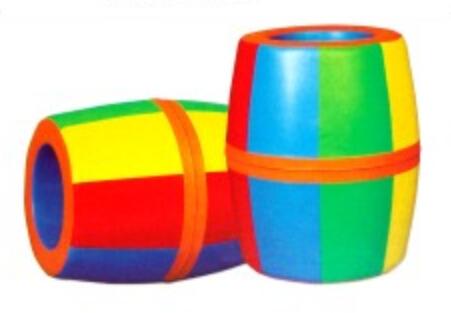 产品说明:由圆斜面,圆柱,大小圆,半圆组合而成的趣味滚筒,综合提供了